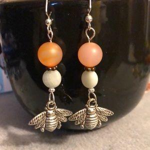 Jewelry - 🐝 gemstone bee charm earrings